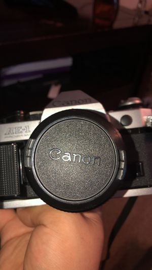Canon Aei film camera, includes camera, 2 lenses, attachable flash, rolls of film, and tamrac bag for Sale in Sanford, FL