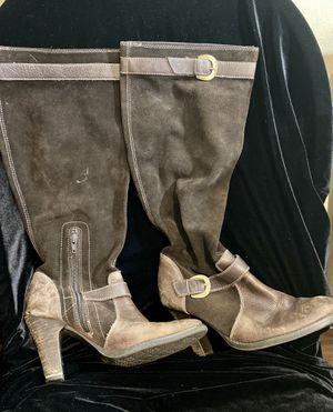 Brown boots size 9 for Sale in Greenwood, IN