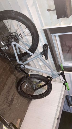 Fat tire mountain bike for Sale in Worcester, MA