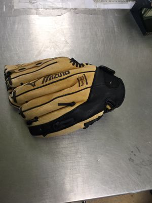 Baseball glove mizuno for Sale in Matawan, NJ