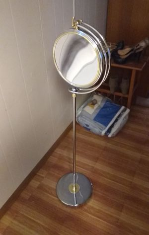 Beauty mirror for Sale in Murfreesboro, TN