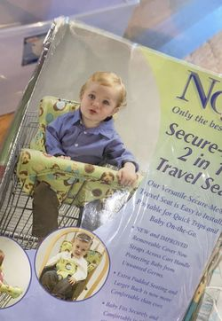 Nojo Secure-Me 2 in 1 Travel Seat for Sale in Gardena,  CA