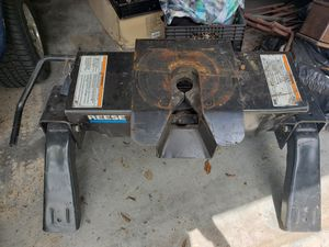 Reese 16K 5th Wheel Hitch for Sale in Lake Hamilton, FL