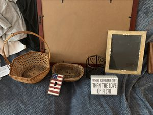 Household Items and Wall Decor Random for Sale in Fort Worth, TX