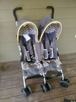Jeep double baby stroller only 20.00 for Sale in College Park, GA