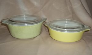 Vintage Pyrex Solid Green 4-Piece Casserole Dish Set #471 (1 pt.) and #472 (1-1/2 pt.) for Sale in Tampa, FL
