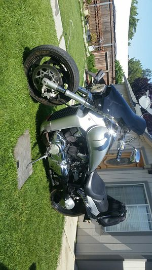 Suzuki Kawasaki motorcycle m109R 1800cc for Sale in Exeter, CA