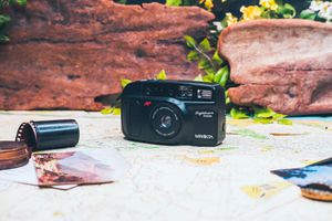 Minolta sightseer zoom point and shoot film camera for Sale in Brentwood, CA