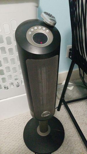Lasko ceramic heater with remote for Sale in Houston, TX