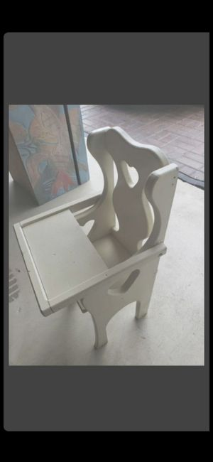 VINTAGE BABY DOLL HIGH CHAIR for Sale in Delray Beach, FL