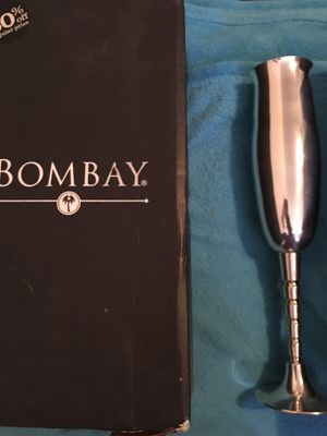 Silver with Gold Trim Bombay Glasswear for Sale in Tampa, FL
