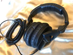 Sennheiser HD 280 Pro noise cancelling headphones for Sale in Los Angeles, CA