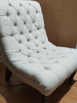 Chaise Accent Chair for Sale in Barrington,  IL