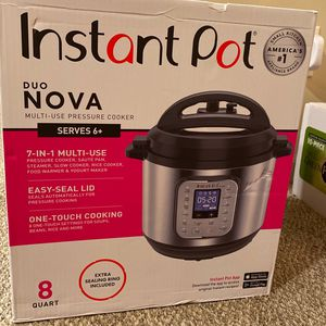 Instant Pot Pressure Cooker for Sale in Columbia Station, OH
