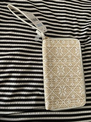 White and bamboo wrist wallet for Sale in Bellflower, CA
