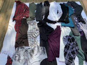 Women's size medium fall winter lot! Clean no holes rips or stains for Sale in Painesville, OH