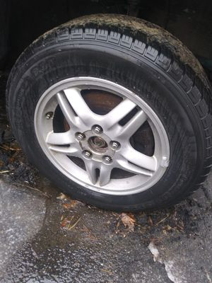 Honda CRV 2000 ( Selling Parts only ) for Sale in Chicopee, MA