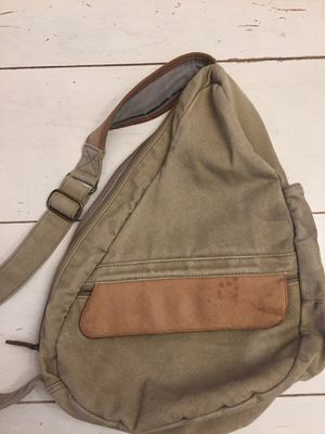 LL bean over shoulder back pack for Sale in St. Louis, MO
