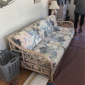 Sleeper Couch & Love Seat ( FREE ) for Sale in Sanibel, FL
