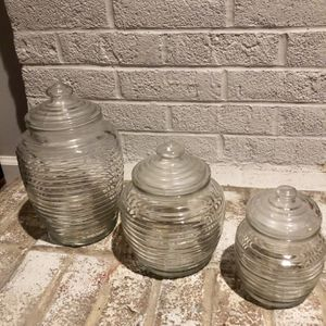 """ANCHOR HOCKING """"Beehive"""" Ribbed Clear Glass Storage Jars, with Lids for Sale in Upper Marlboro, MD"""