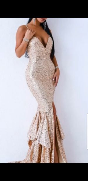 DRESS IN A ROSE GOLD STUNNING for Sale in Riverside, CA