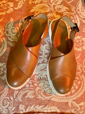 Campers closed toed sandals 8.5 - 39 cushioned vgc for Sale in Seattle, WA