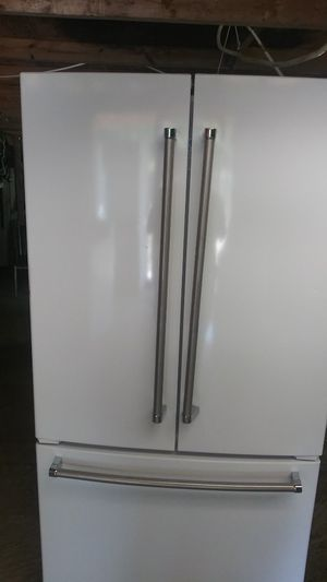 White.. Kitchenaid french doors refrigerator for Sale in Riverdale, GA