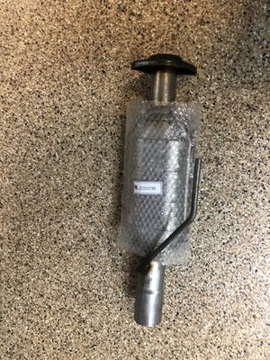 Catalytic converter for 04-06 Jeep TJ for Sale in Irvine, CA