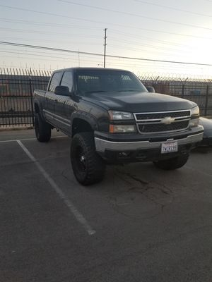 2006 Chevy Silverado lifted low miles for Sale in San Diego, CA