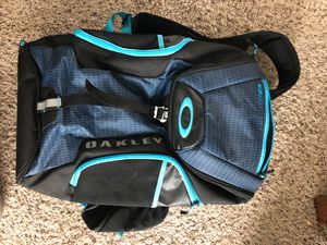 Oakley back pack for Sale in Lewis Center, OH