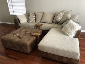 Ballinger 2 piece sectional for Sale in NEW PRT RCHY, FL