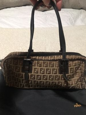 Authentic Fendi purse for Sale in Los Angeles, CA