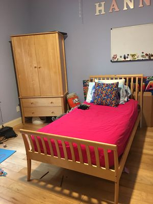 Girl Bedroom Set 5 pieces for Sale in Hollywood, FL