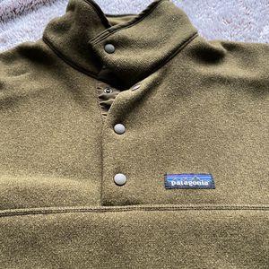 Men Patagonia Long sleeve jacket crew neck sweater medium for Sale in Seattle, WA