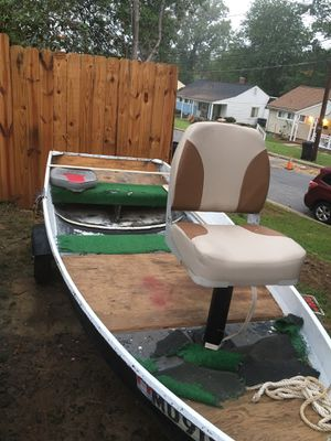 12ft Jon boat for trade for Sale in New Carrollton, MD