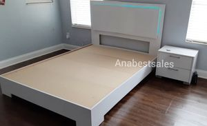 NEW 4 PIECE GLOSSY LED QUEEN BEDROOM SET. (BET FRAME, MATTRESS 8 DRAWER DRESSER AND ONE NIGHTSTAND) for Sale in West Palm Beach, FL