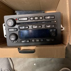 Chevy Silverado 2005 1500 Stock Stereo for Sale in Prineville,  OR