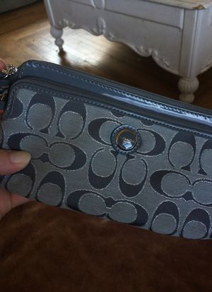 Silver Coach wristlet wallet for Sale in Hollister, CA