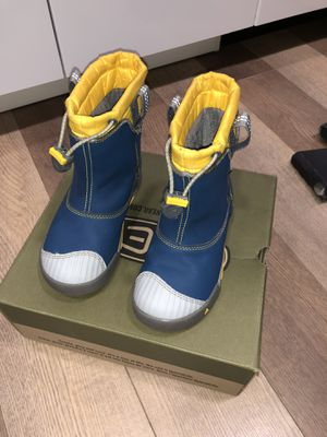 Kids Keen boots in perfect condition for Sale in Mountain View, CA