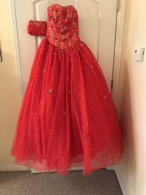 Red strapless sweetheart neckline quinceanera dress. for Sale in Houston, TX