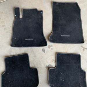 Mercedes Benz Gla 250 Oem Floor Matts for Sale in Fresno, CA