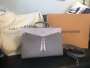Authentic LOUIS VUITTON Empreinte Sully PM vision/ mink for Sale in Henderson, NV