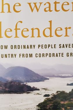 NEW the water defender by Robin Broad & John Cavanagh Hardcover for Sale in Oak Park,  IL