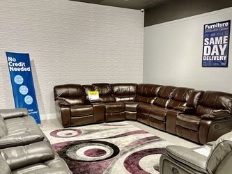 Madrid Reclining Sectional Sofa On Sale! We Offer No Credit Needed Financing! for Sale in Lakeland,  FL