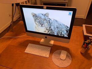 iMac Apple Desktop Computer 21.5 inch (Mid 2010) for Sale in Houston, TX