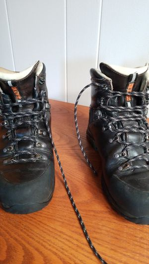 REI Men's Backpacking Boots, size 11M for Sale in Riverside, CA