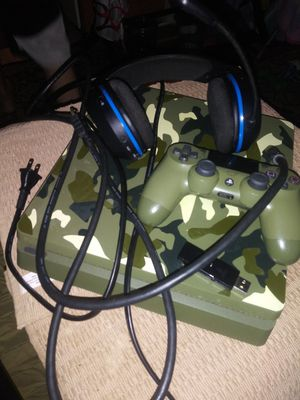 Playstation 4 Slim Camouflage with Turtle Beach Stealth 400 Bluetooth headset for Sale in Washington, DC