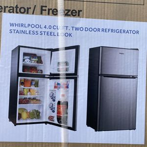 4.0 Foot Refrigerator/freezer for Sale in Bakersfield, CA