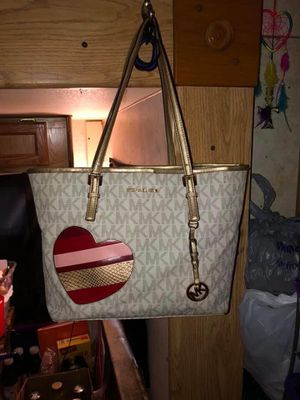 MK Purse, Matching Wallet and Sandals for Sale in Tyler, TX
