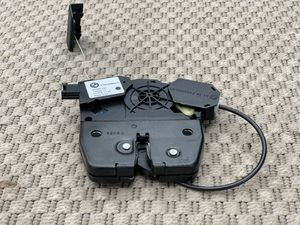 2007-2013 BMW X5 E70 REAR TRUNK LID LOCK ACTUATOR OEM for Sale in Arlington, TX